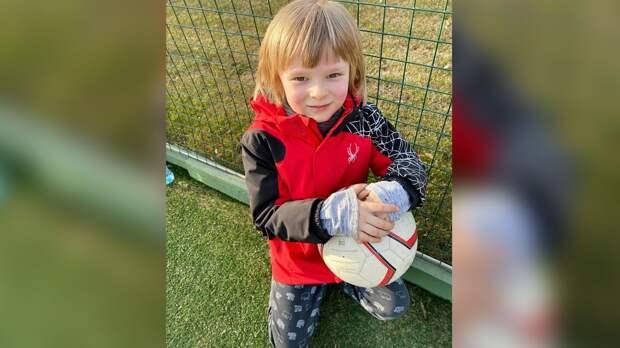 Плющенко рассказал овозможном уходе 7-летнего сына изфигурного катания: «Онбезумно любит футбол»