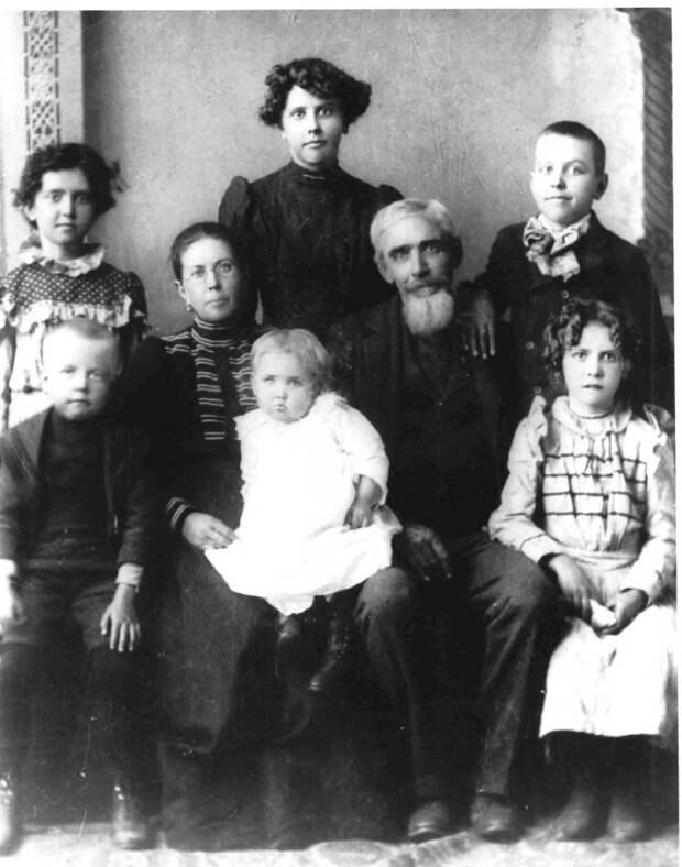 10. Между 1838 и 1960 годами на более чем половине фотографий фигурировали младенцы. разное, факты