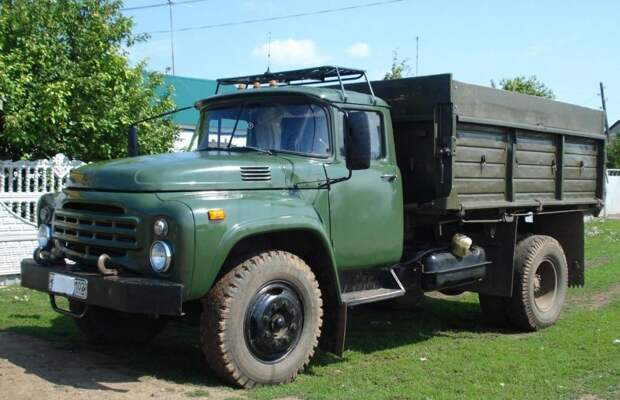 ЗИЛ-130 — самый массовый грузовик советского автопрома