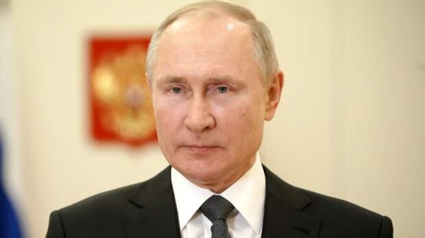 Путин заявил о необходимости исключить из соцсферы абсурдные нормы и правила