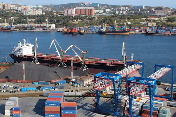 Государство забирает контроль за Владивостокским морским торговым портом у офшорных олигархов