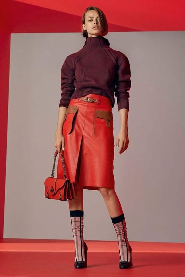 Не проходящая мода на юбки: основные тренды начала 2019
