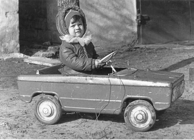 20. Мечта любого советского ребенка – педальный автомобиль! СССР, авто, автомобили, олдтаймер, ретро авто, ретро техника, ретро фото, советские автомобили