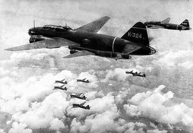 летят японцы США бомбить (на фото дальние бомбардировщики ВВС Японии)