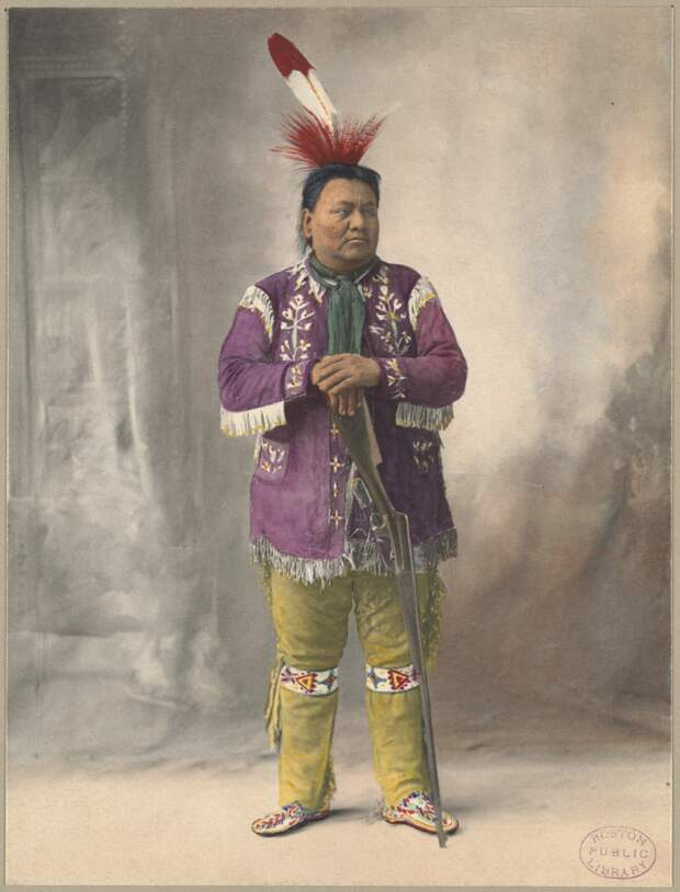 Native_American_with_rifle.jpg