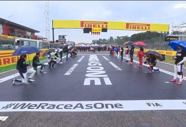 Никита Мазепин и ещё девять гонщиков Ф1 не встали на колено перед ГП Эмилии-Романьи