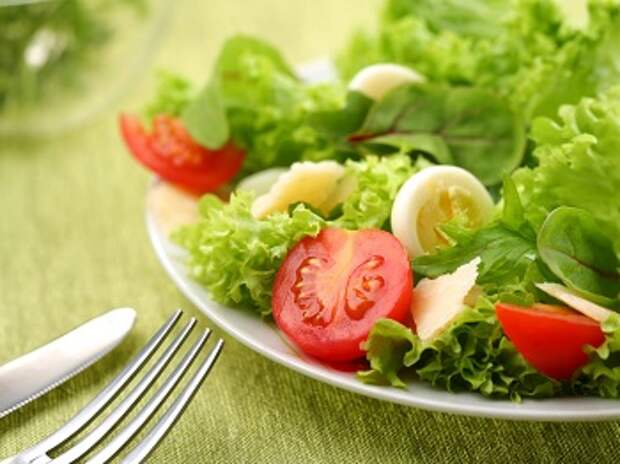 Несколько вариантов меню летней диеты на огурцах и помидорах