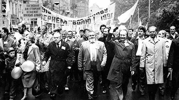 Украинцам пришлось заплатить за националистические мифы кровью и нищетой