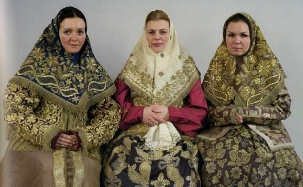 Что можно было узнать о русской женщине по её платку