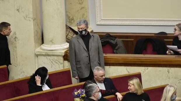 Экс-президент Петр Порошенко не теряет надежды вернуть себе руководством страной, фото: Изым Каумбаев,