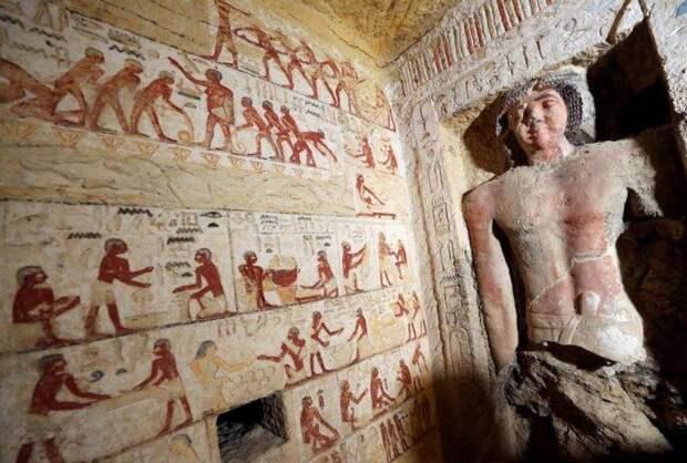 Даже цвета иероглифов не утратили яркость своих цветов. /Фото: klevo.net