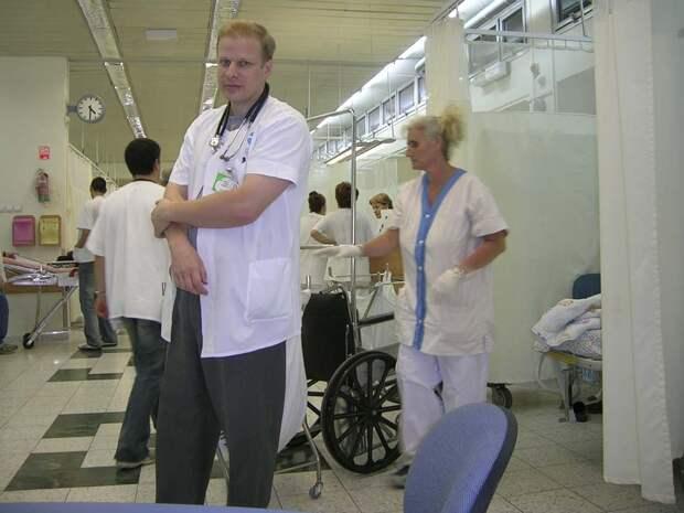 Доктор Жигалин на работе