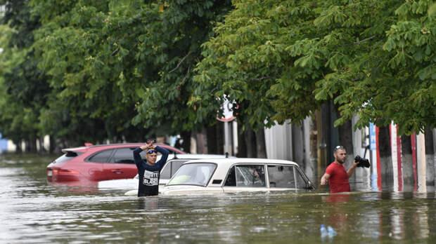 В Крым направлена аэромобильная группировка Донского спасательного центра