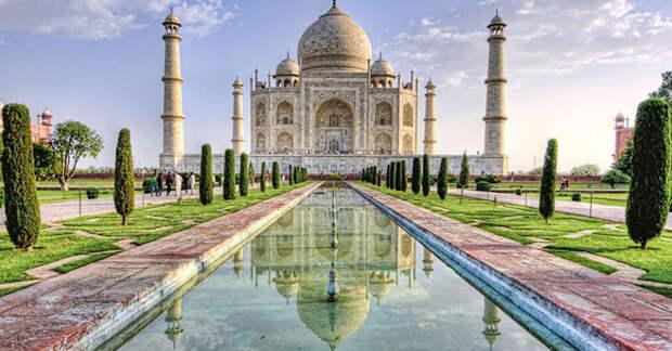 Тадж-Махал - одна из самых узнаваемых мировых достопримечательностей.