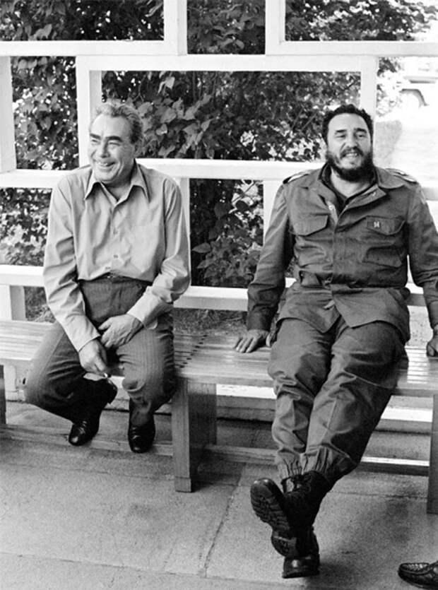 Леонид Ильич Брежнев на отдыхе и не только