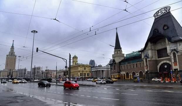 Департамент транспорта пересмотрит схему парковки и режим работы светофоров на Комсомольской площади