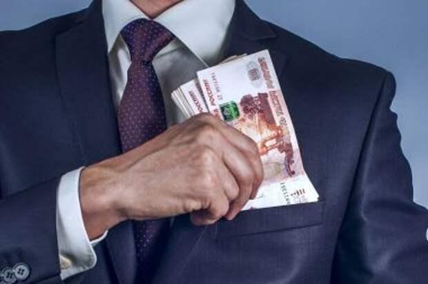 Путин подписал закон о повышении НДФЛ для богатых россиян