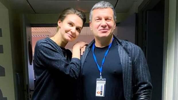 """""""Цифровизатор"""" Соловьёв изгнал соведущую"""