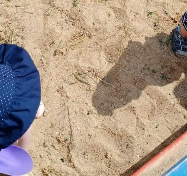 На Бескудниковском бульваре привели в порядок песочницу