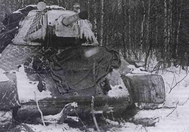 Как застрявший в болоте советский танк 13 дней держал круговую оборону