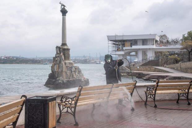 Коронавирус вынудил чиновников усилить меры безопасности в Севастополе