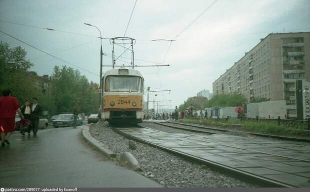 Фото дня: трамвай «пятёрочка» у метро Бабушкинская