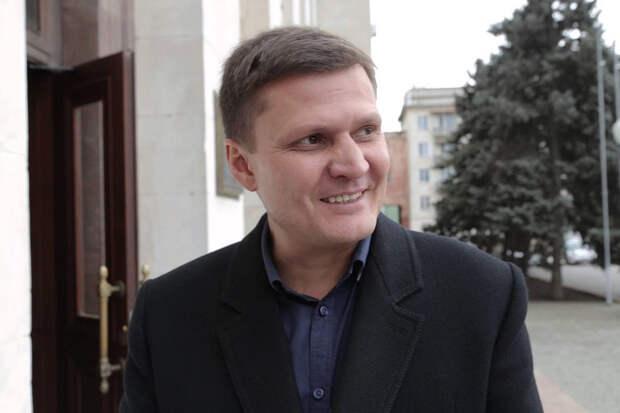 Украинские депутаты подрались из-за флага России