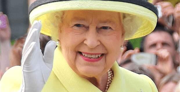 Елизавета II нашла замену Меган и Гарри
