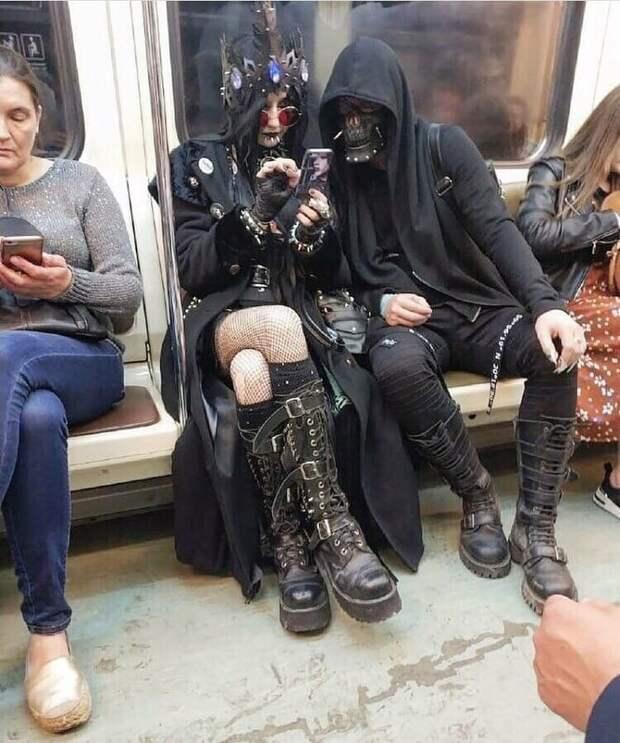 Подземка - самое место для нечисти маразмы, метро, московское метро, питерское метро, подземка, прикол, фрики из подземки