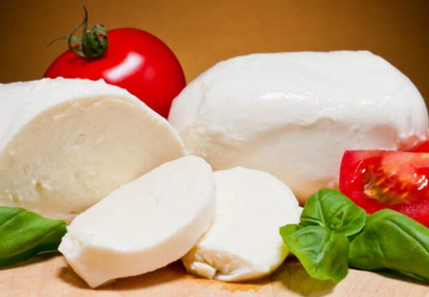 Итальянский сыр делаем на кухне: нужно только молоко и уксус