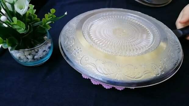 Известный рецепт пирога на сковороде с 1 яйцом