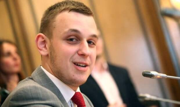 Депутат Власов рассказал, на кого направлен закон о «выплатах на школу»