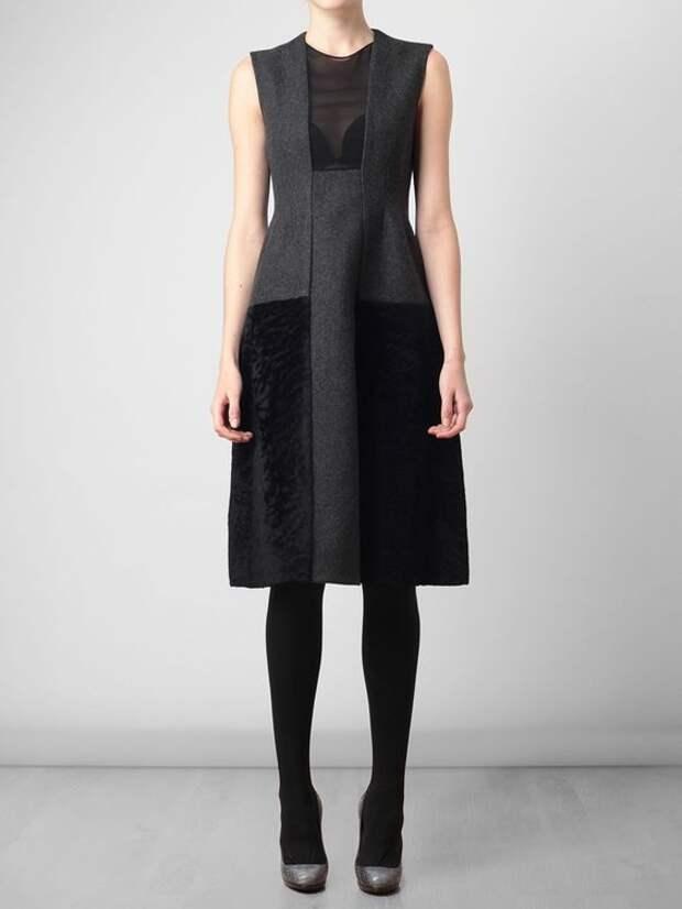 платье с необычными деталями