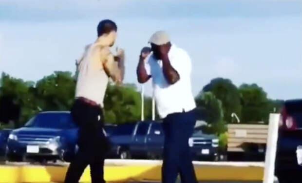 5 секунд позора: боксер-качек вышел проучить толстяка