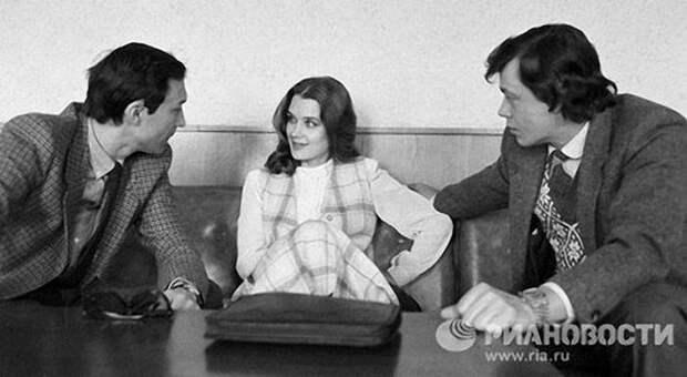 Ирина Алферова с коллегами - с Олегом Янковским и Николаем Караченцевым.