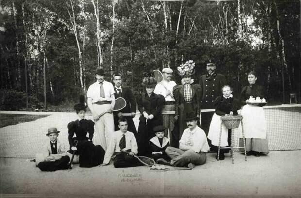 Групповой портрет участников игры в теннис (1880-е) дореволюционные снимки, интересно, кадр, россия, факты, фото