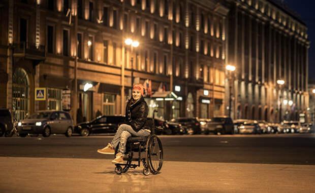 """Прогулка на руках, или Как инвалиду справиться с """"доступной средой"""" Москвы"""