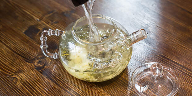 Диетолог объяснила, кому противопоказано пить зеленый чай