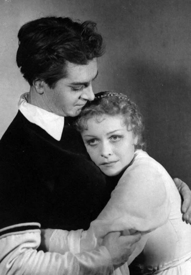Людмила Целиковская – народная актриса, которую не любил Сталин: Тернистый путь к славе