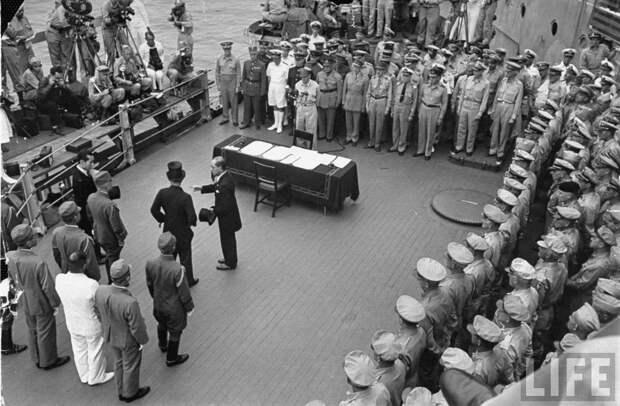2 сентября 1945 года. Токийский залив. Воздушный парад и капитуляция