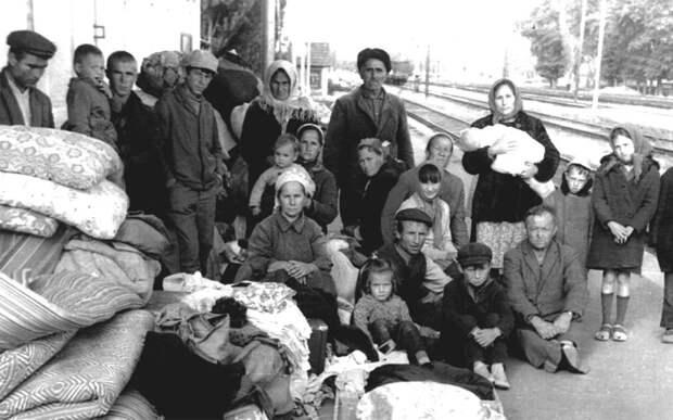 «Людей грузили в телячьи вагоны»