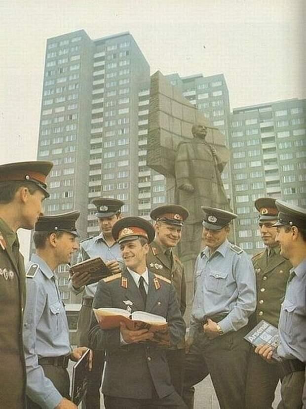 Группа Советских Войск в Германии. ГСВГ. ( 82 фото )