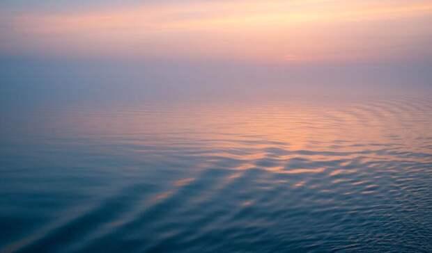 Мощный смерч над озером вКарелии попал навидео