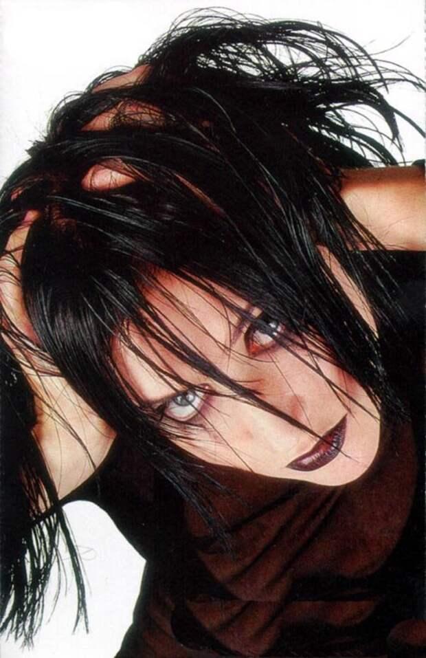 Куда исчезла эпатажная певица Линда. Посмотри, как сейчас выглядит главный феномен 90-х!