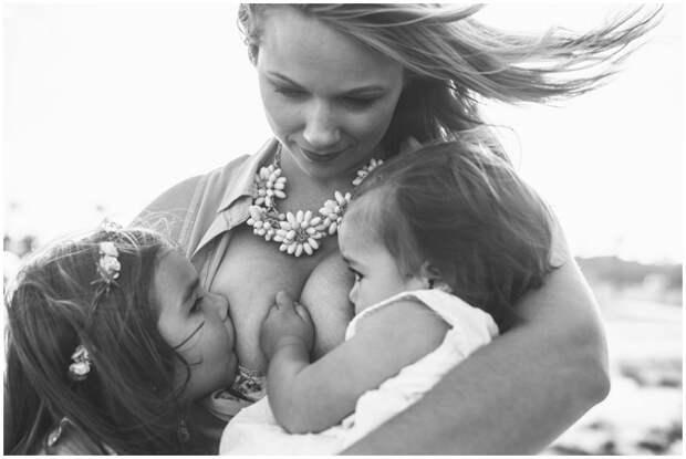 Фотографии кормящей матери, ставшие широко обсуждаемыми в сети  грудное вскармливание, фотография