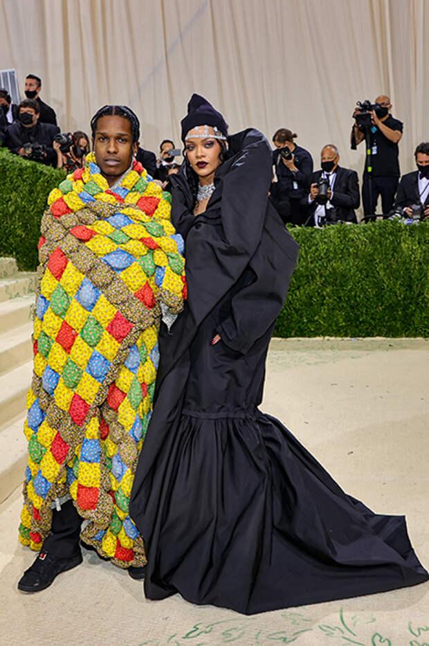 Рианна в Balenciaga Couture и ASAP Rocky в ERL