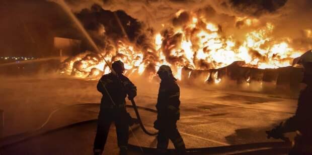 В Петербурге локализовали пожар в шестиэтажном доме