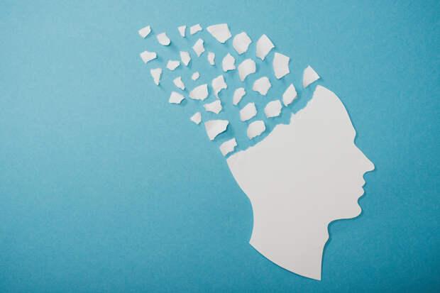 Перечислены симптомы болезни Альцгеймера, которые обычно остаются без внимания