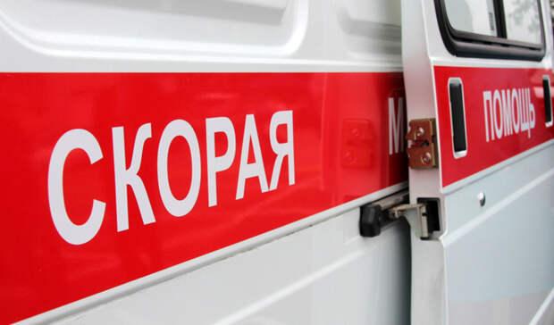 Водитель скорой скрылся после ДТП вВолгограде