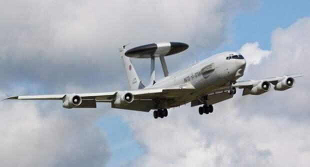 Самолет США «кружил» над Крымом